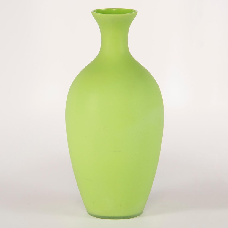 20th Century Tall Midcentury Cenedese Murano Glass Green Vase For Sale