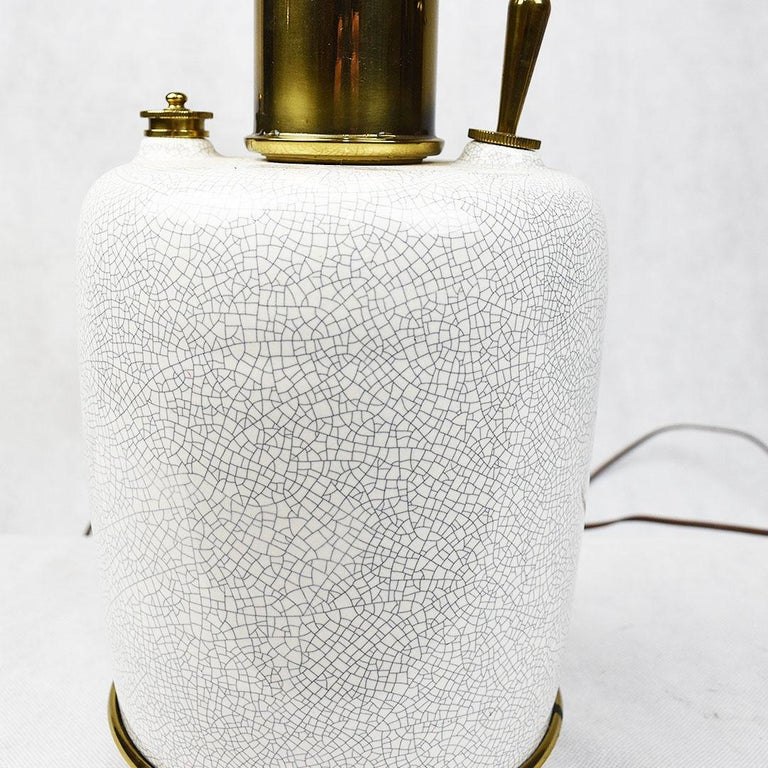 Tall Mid-Century Modern White Crackle Glaze Ceramic and Brass Lamp by Stiffel In Good Condition For Sale In Oklahoma City, OK
