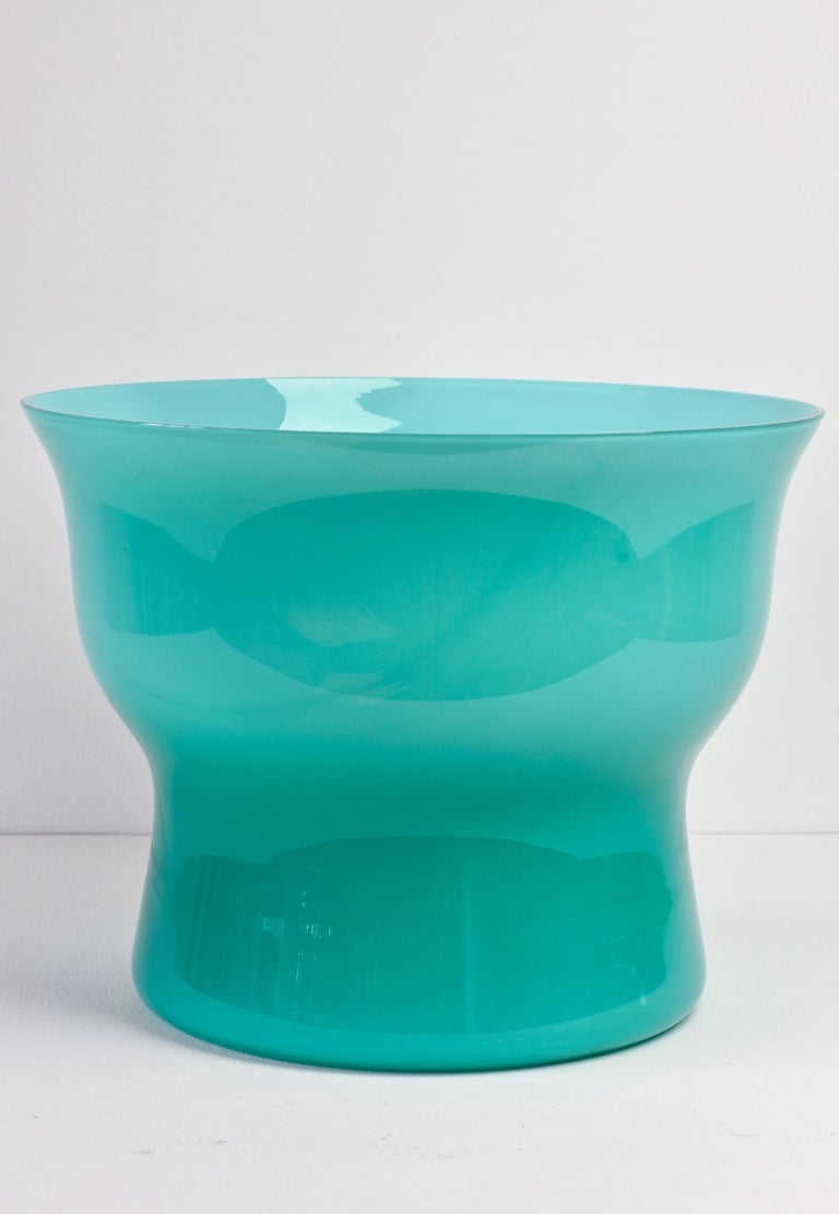 20th Century Large Vintage Turquoise Cenedese Italian Murano Glass Centrepiece Vase For Sale