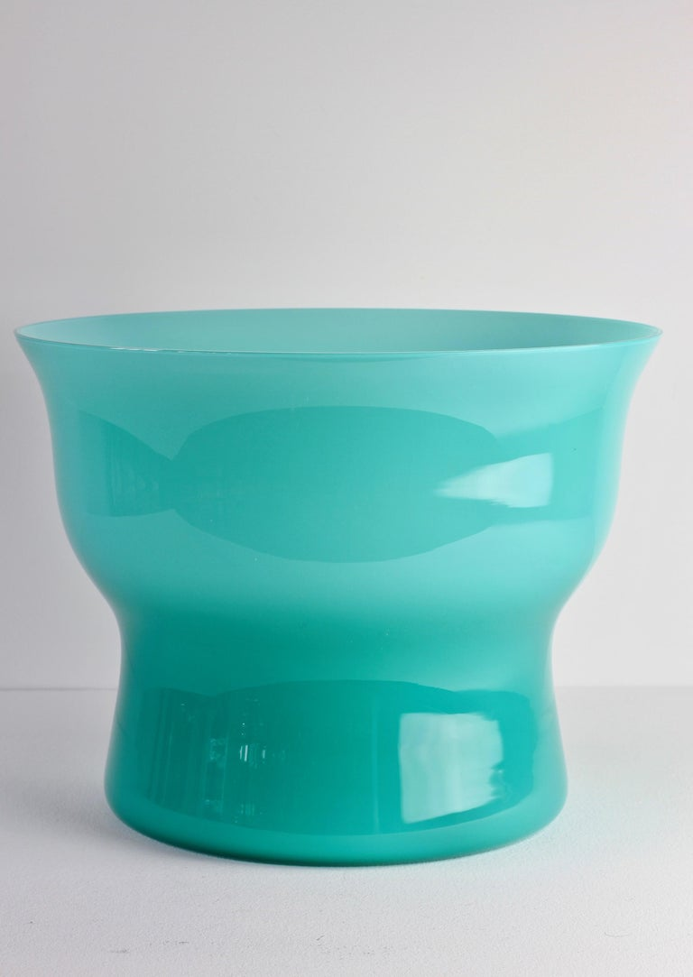 Blown Glass Large Vintage Turquoise Cenedese Italian Murano Glass Centrepiece Vase For Sale