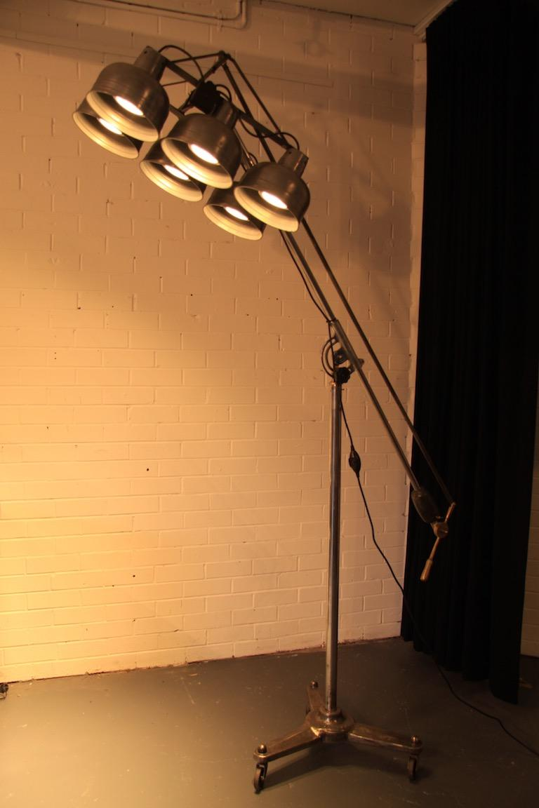 Floor Lamp With Six Adjule Shades