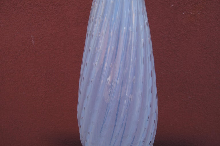 Italian Tall White Vintage Murano Glass Table Lamp For Sale