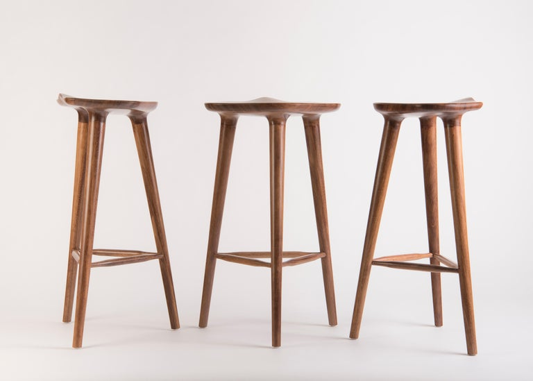 Descendants of an extraordinary family, TAM stools are grown to 65 cm in height, multiplying in a garden of possibilities while preserving in their genetic makeup the beauty of tzalam wood. Its radiant design has become an icon in kitchens,