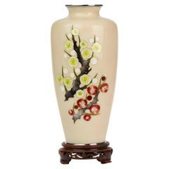 Tamura Japanese Showa Period Hawthorn Decorated Cloisonné Vase, circa 1930