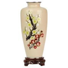 Tamura Japanese Showa Period Hawthorn Decorated Cloisonné Vase, circa 1930