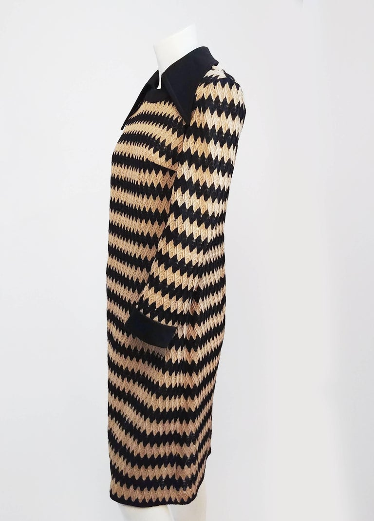 Tan and Black Knit Zig-Zag Collared Dress, 1970s In Good Condition For Sale In San Francisco, CA