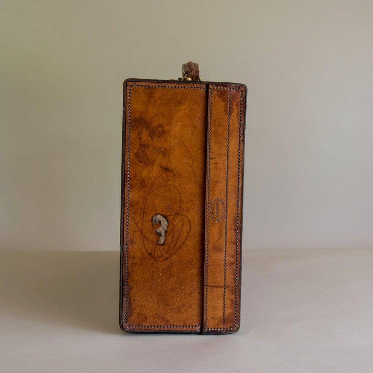 Tan Leather Suitcase, circa 1900. For Sale 4