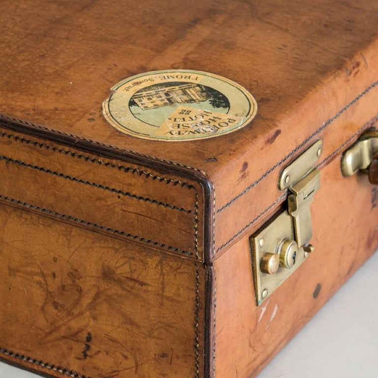 Tan Leather Suitcase, circa 1900. For Sale 8