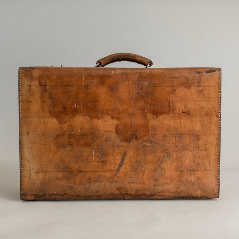 British Tan Leather Suitcase, circa 1900. For Sale