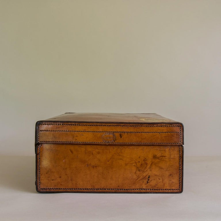 Early 20th Century Tan Leather Suitcase, circa 1900. For Sale