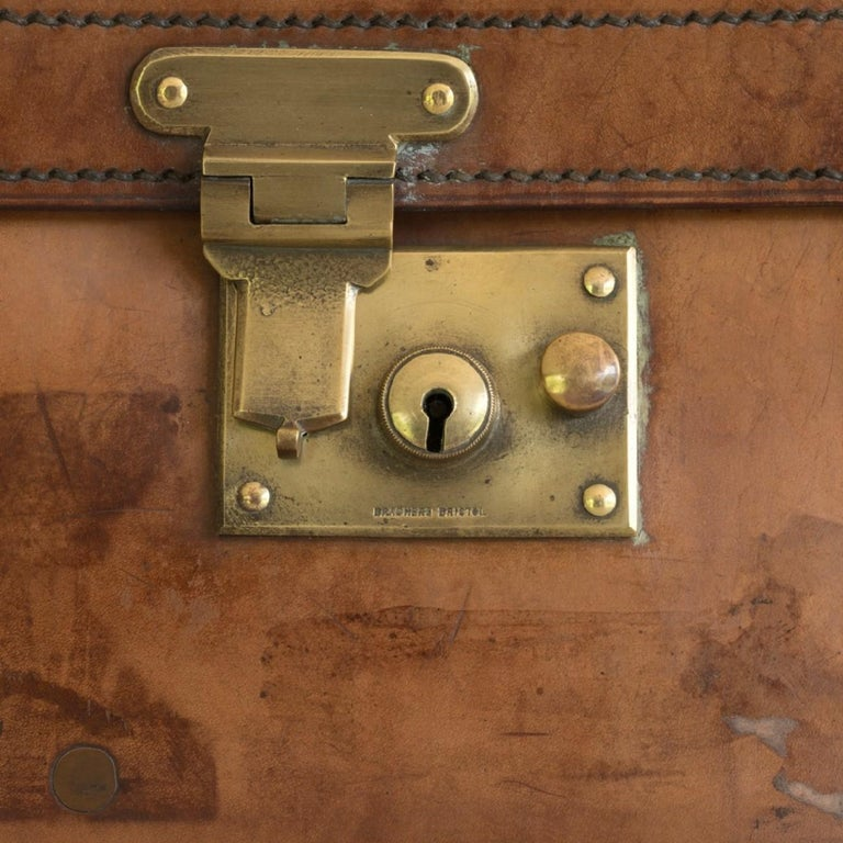 Tan Leather Suitcase, circa 1900. For Sale 3