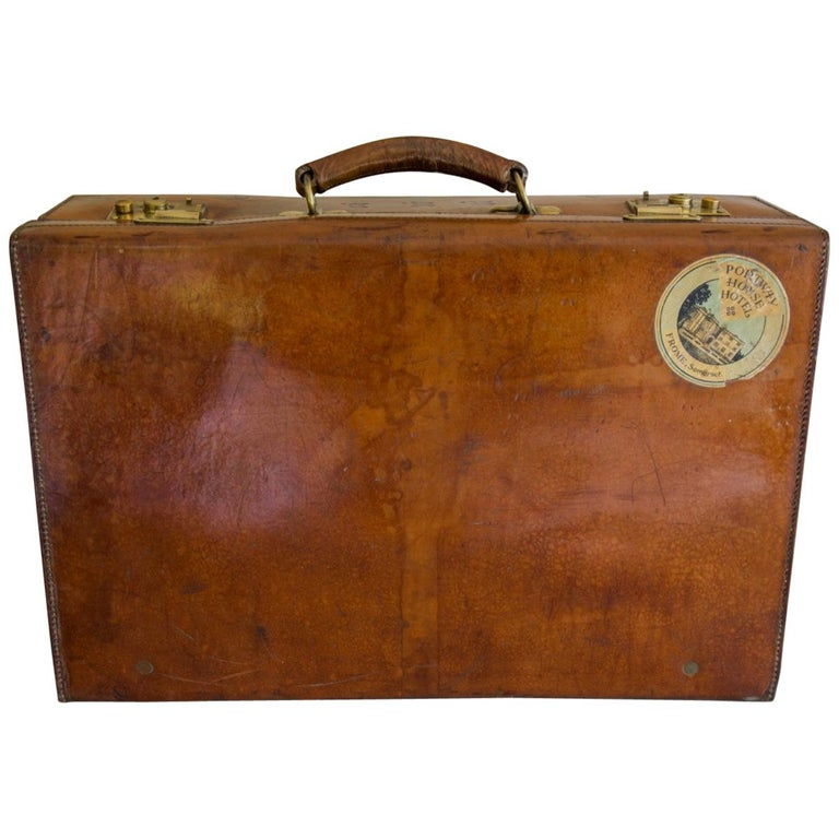 Tan Leather Suitcase, circa 1900. For Sale