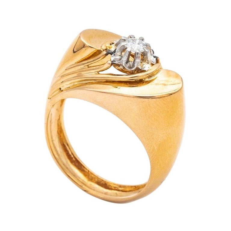 Tank Ring Gold 18 Carat Surmonted Diamond For Sale
