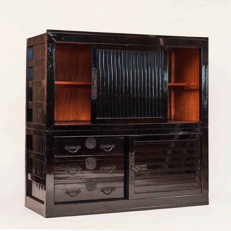 Tansu Cabinet, Meiji Era, Japan In Good Condition For Sale In Nordhavn, DK