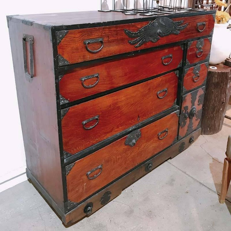 Japanese Cedar / Elm Tansu, Edo Period, Mid-18th Century In Good Condition For Sale In New York, NY