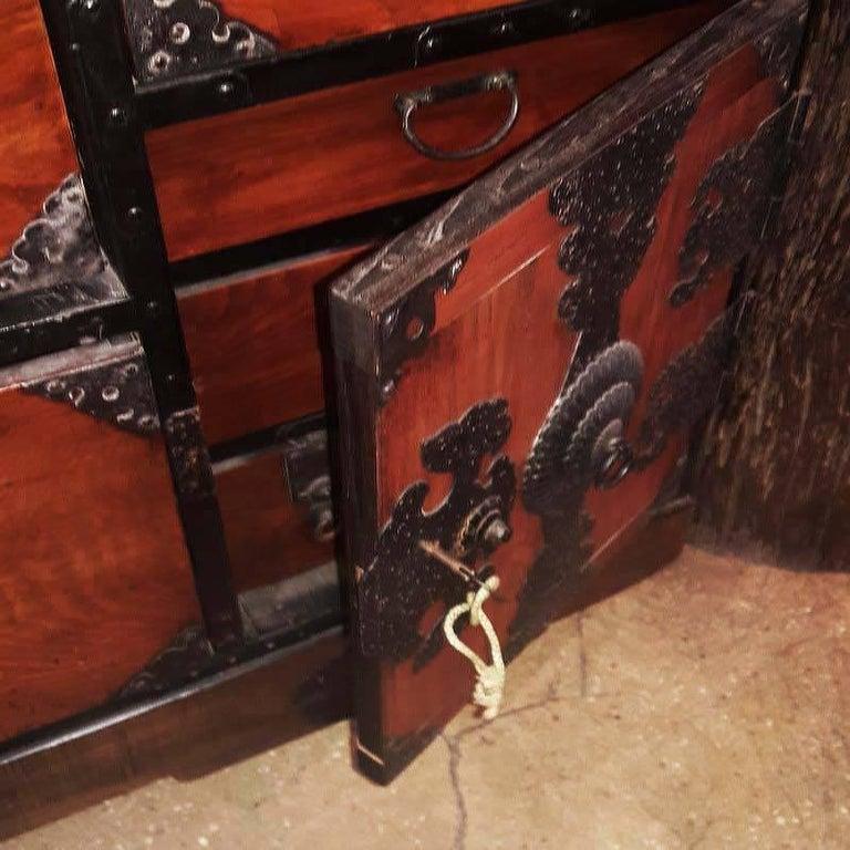 Japanese Cedar / Elm Tansu, Edo Period, Mid-18th Century For Sale 2