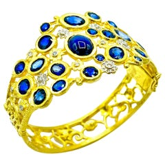Tanya Farah 29.70 Carat Sapphire and Diamond Floral Yellow Gold Bracelet
