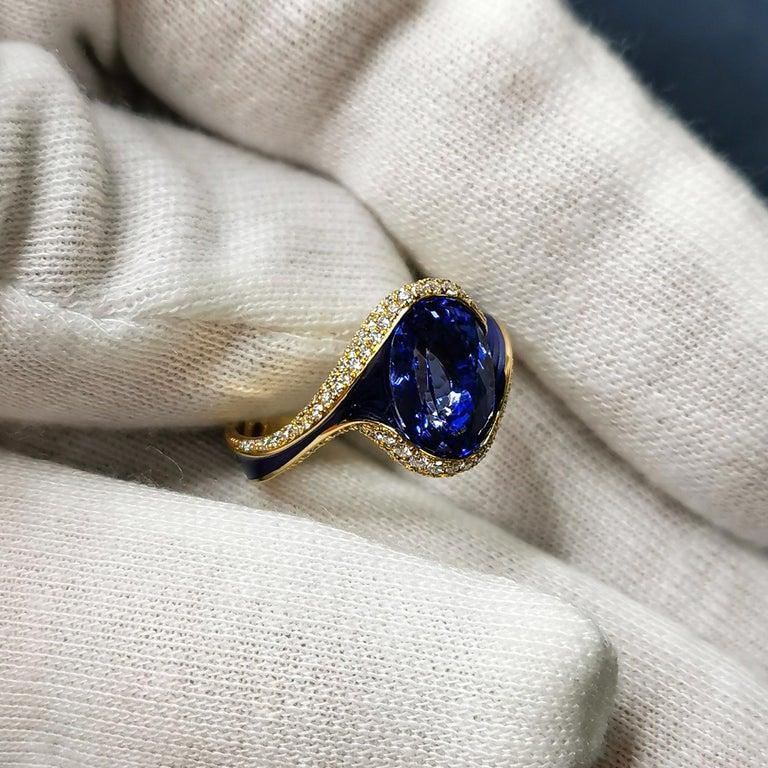 Tanzanite 3.49 Carat Diamonds Enamel 18 Karat Yellow Gold Ring For Sale 2