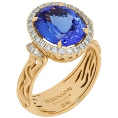 Tanzanite 4.95 Carat Diamonds 18 Karat Yellow Gold Ring