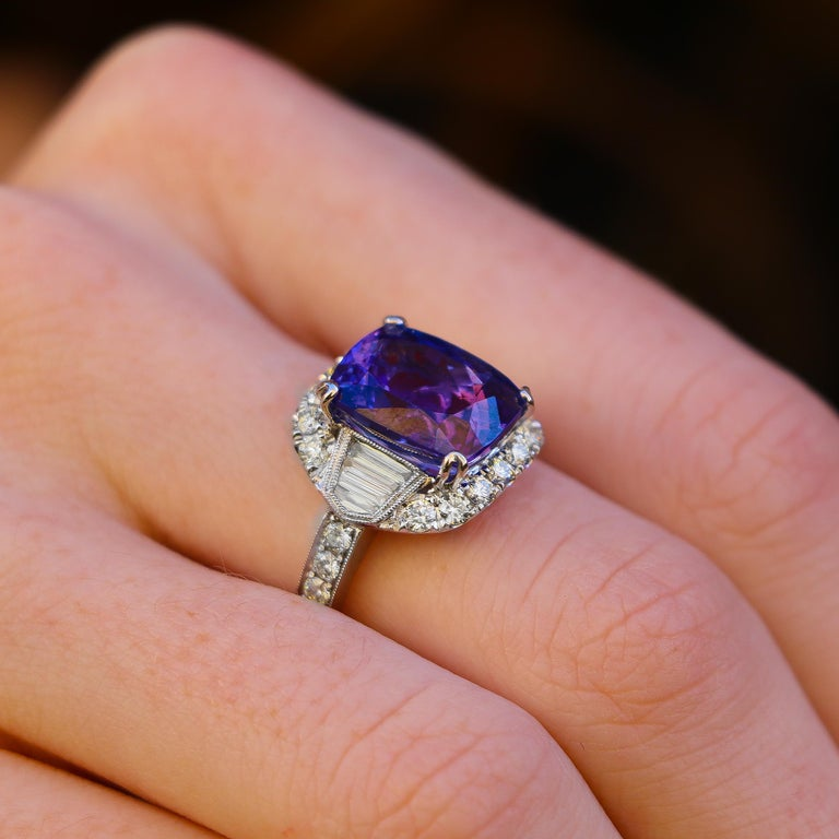 Contemporary Tanzanite 6.88 Carat and Diamonds 1.20 Carat Ring For Sale
