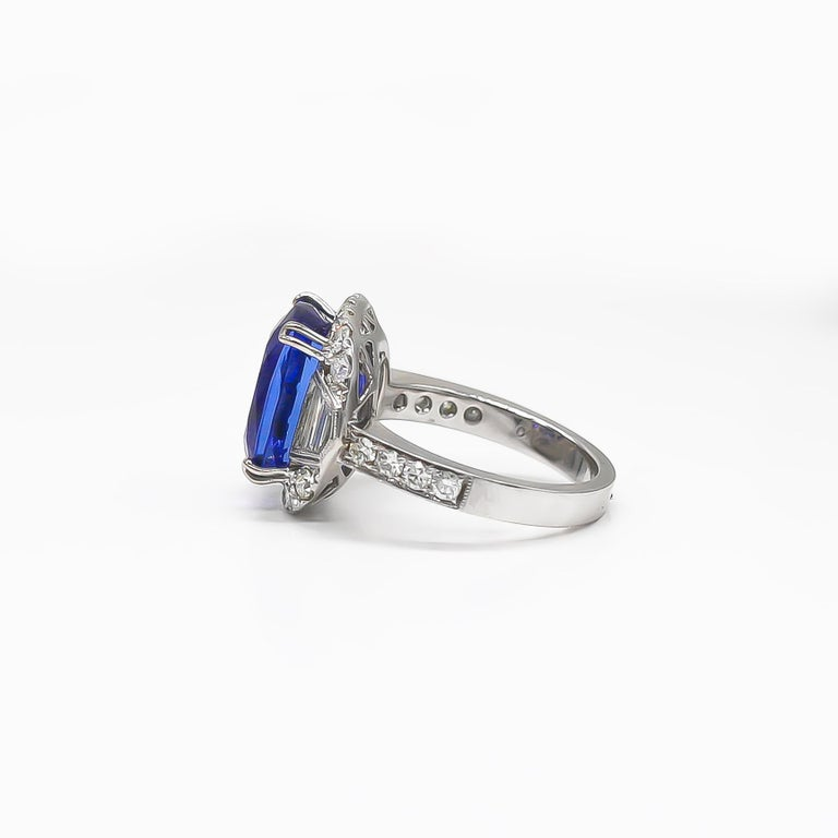 Women's Tanzanite 6.88 Carat and Diamonds 1.20 Carat Ring For Sale