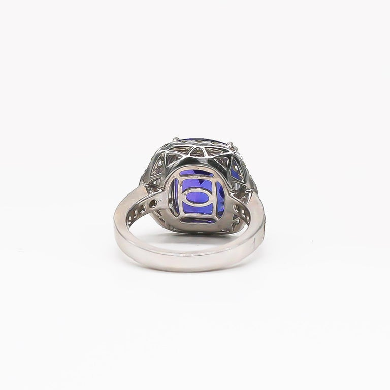 Tanzanite 6.88 Carat and Diamonds 1.20 Carat Ring For Sale 1