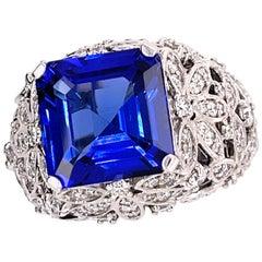 Tanzanite 7.0 Carat and Diamond Gold Ring
