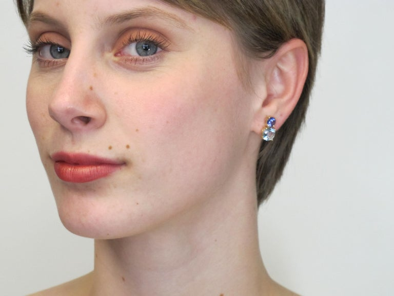 Artisan Tanzanite and Aquamarine 18 Karat Yellow Gold Earrings For Sale
