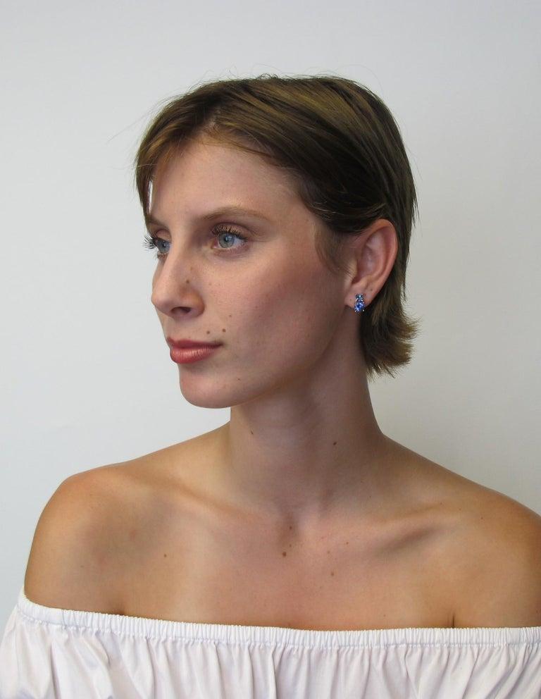 Round Cut Tanzanite and Aquamarine 18 Karat Yellow White Gold Earrings For Sale