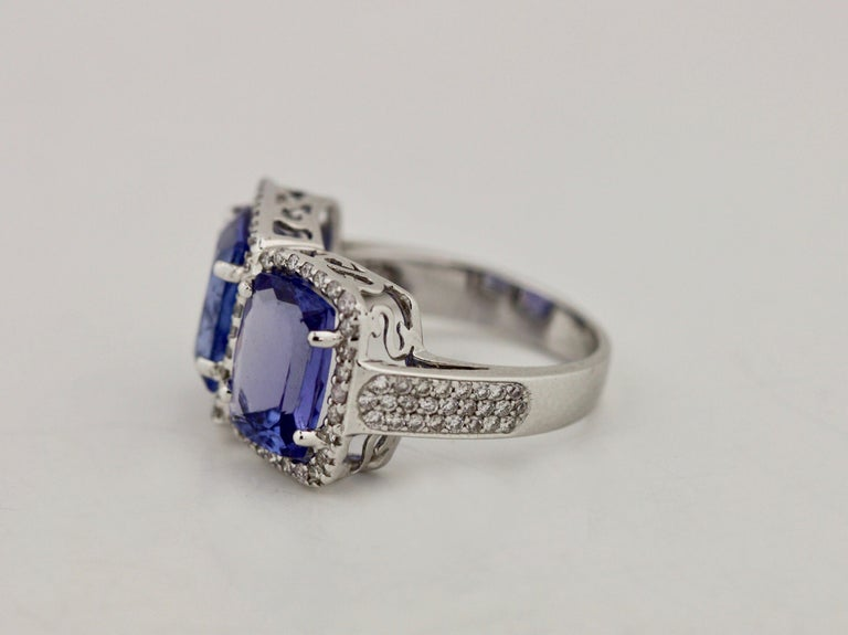 Tanzanite and Diamond Ring In Good Condition For Sale In Palm Beach, FL