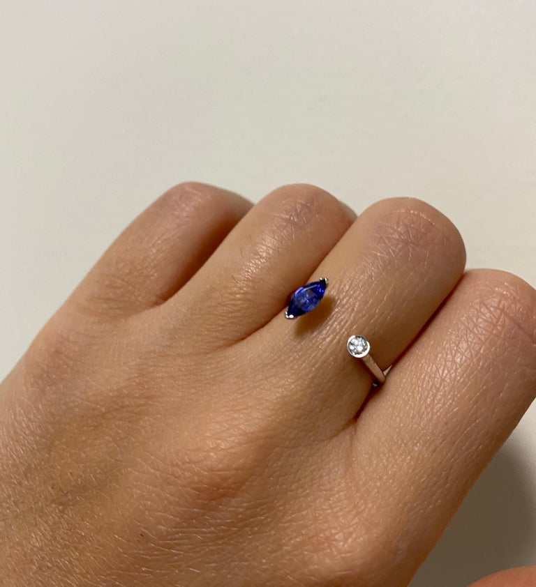 Contemporary Tanzanite and Diamond Toi et Moi Ring For Sale