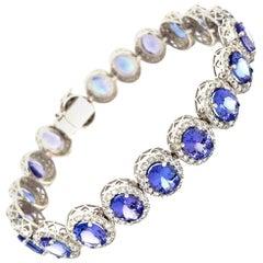 Tanzanite and Diamonds Bracelet 18 Karat Gold