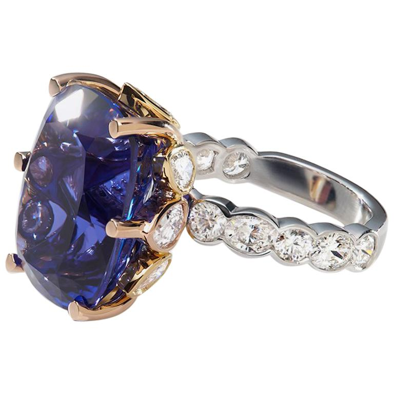 Tanzanite and White Diamond 18 Karat Cocktail Engagement Ring For Sale