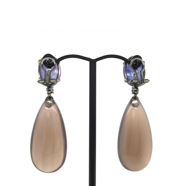Contemporary Tanzanite, Blue Sapphires and Grey Agate on Black Gold Chandelier Earrings For Sale