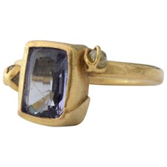 Tanzanite Diamond Briolettes 22-21 Karat Gold Three-Stone Fashion Ring