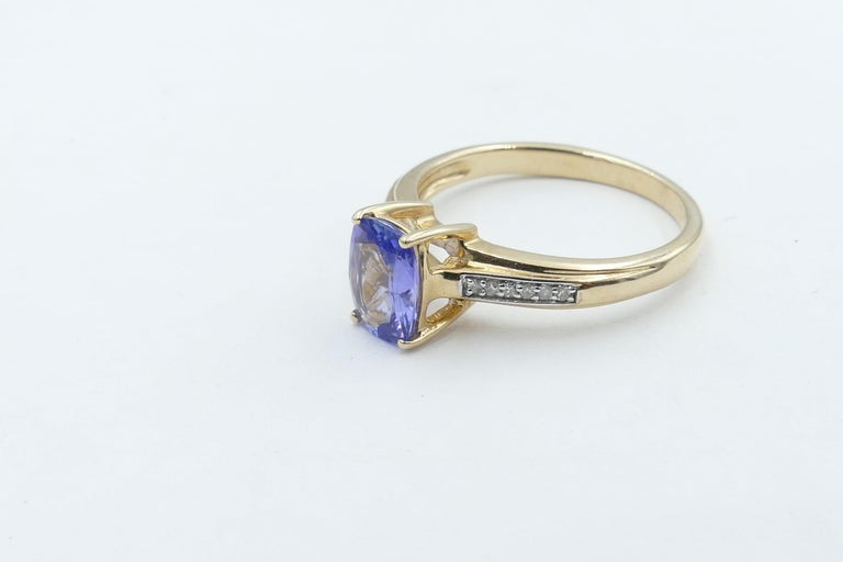 Tanzanite and Diamond Modern or Dress Ring Set in Yellow and White Gold In New Condition For Sale In Splitter's Creek, NSW