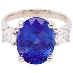 Tanzanite Diamond Ring, 4.77 Carat Tanz, 14 Karat Gold Three-Stone Ring