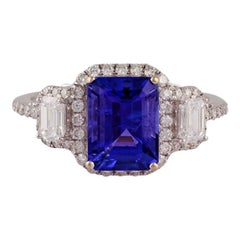 Tanzanite & Diamond Ring Studded in 18K Gold