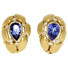 Tanzanite Diamonds White 18 Karat Yellow Gold Earrings