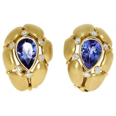 Tanzanite Diamonds White 18 Karat Yellow Gold Earrings
