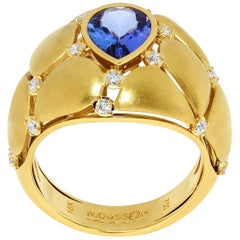 Tanzanite Diamonds White 18 Karat Yellow Gold Ring