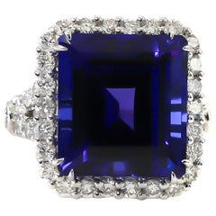 Tanzanite Ring 19.01 Carat with Diamonds 2.10 Carat F/VS 18 Karat Gold