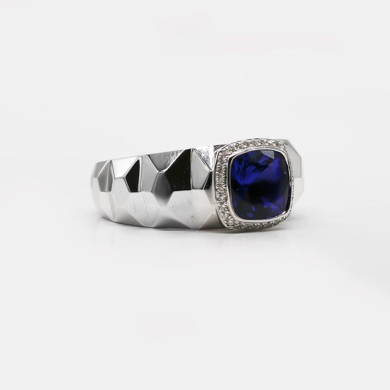 Modern Tanzanite Ring 3.68 Carat with Diamonds 0.16 Carat 14 Karat Gold