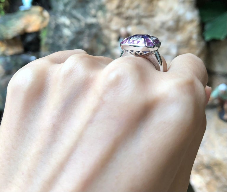 Tanzanite with Pink Sapphire and Diamond Ring Set in 18 Karat White Gold Setting In New Condition For Sale In Bangkok, TH