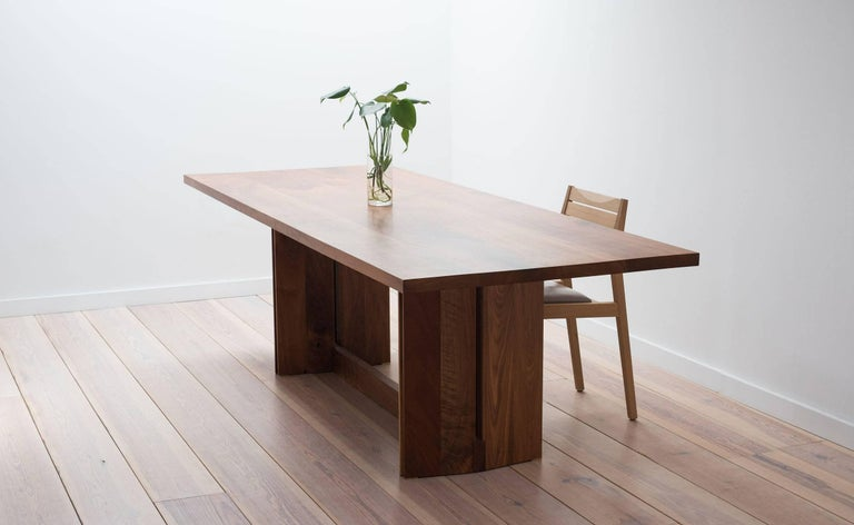 Tapered Dining Table in Solid Walnut In New Condition For Sale In Brooklyn, NY