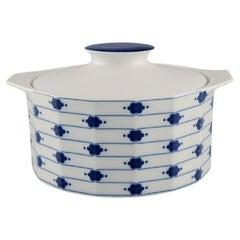 Tapio Wirkkala for Rosenthal, Corinth Lidded Tureen in Blue Painted Porcelain