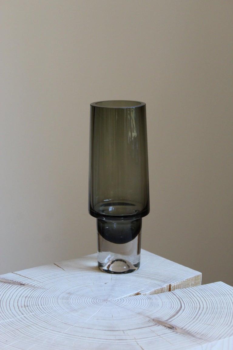 Mid-Century Modern Tapio Wirkkala, Vase, Blown Glass, Iittala, Finland, 1960s For Sale