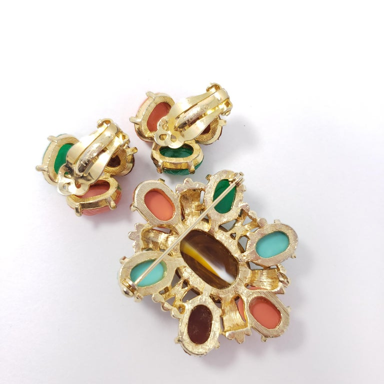 Retro Tara Golden Scarab Cabochon Cluster Clip in Earrings and Pin Brooch For Sale