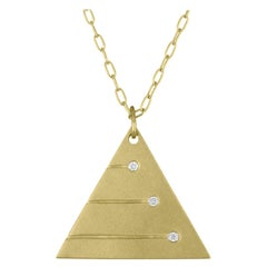 TATE Pyramid Pendant 18 Karat Green Gold Necklace with 3 Diamond Accents Chain