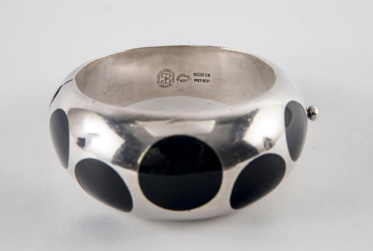 Women's or Men's Taxco Sterling Silver and Black Bakelite Polka Dot Bracelet For Sale